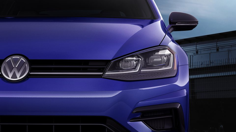 2019 Golf R adaptive front light system